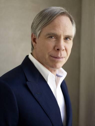 Томас Хилфигер родился в 1951 году в штате Нью-Йорк в многодетной семье. Он  был вторым среди 9 братьев и сестер 67536cd9952c7